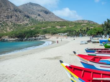 Cabo Verde-  Isla de Santiago hasta el 31 de Octubre desde península con TAP